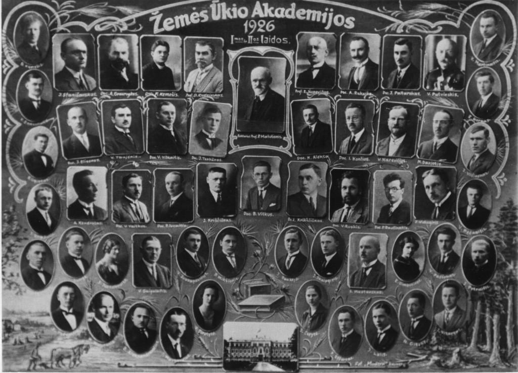 Vinjetėje: pirmosios ir antrosios laidos absolventai (1926 m.)