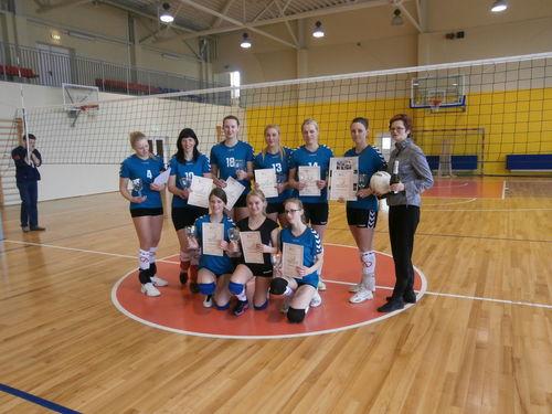 """""""Tinklida"""" su trenere Lina Balčiūnaityte - turnyro nugalėtojos."""