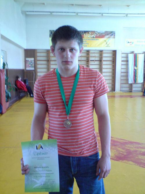 VŪŽF I kurso studentas LINAS ŠILINIS Lietuvos studentų graikų-romėnų imtynių čempionate iškovojo III vietą