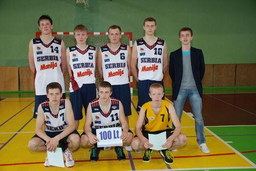"""IV vietos laimėtojai - """"MOKSLEIVIŲ"""" komanda: Tadas Vaitkevičius, Modestas Butkus, Arnas Malakauskas, Paulius Vaitiekūnas, Jonas Šiaudikis, Vidmantas Rušinas, Aurimas Kavelis."""