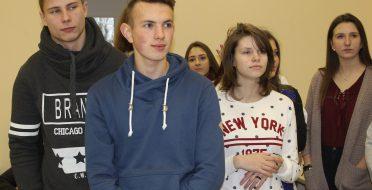 Svečiavosi Kėdainių r. Krakių gimnazijos moksleiviai