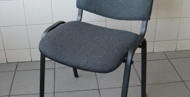 Gauta kėdžių siunta