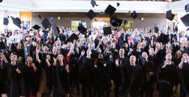 Diplomų įteikimo šventės akimirkos