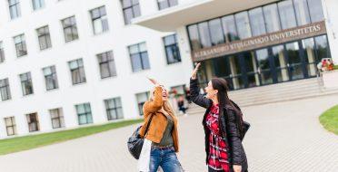 Kaip vyksta priėmimas į I pakopos (bakalauro) studijas? Sužinok.
