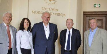 ASU šviečiamąją veiklą įvertino Lietuvos mokslų akademija