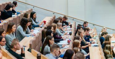 Lenkijos dėstytojai iš Gamtos ir humanitarinių mokslų universito ves paskaitas ASU studentams