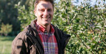Pataria agronomas: kada ir kuo purkšti vaiskrūmius ir vaismedžius?